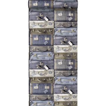 papier peint valises vintage bleu et marron de ESTA home