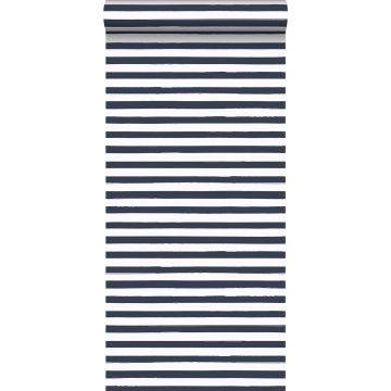 papier peint à rayures bleu foncé et blanc de ESTA home