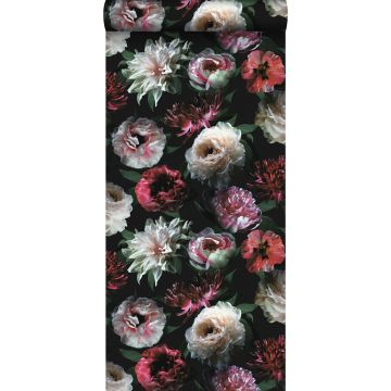 papier peint fleurs rose, noir et vert foncé de ESTA home