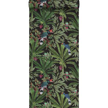 papier peint feuilles tropicales noir et vert jungle de ESTA home