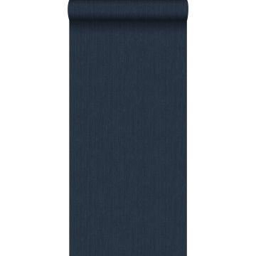 papier peint uni avec structure en denim jeans bleu foncé de ESTA home