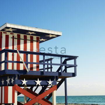 papier peint panoramique maison de plage rouge, blanc et bleu de ESTA home