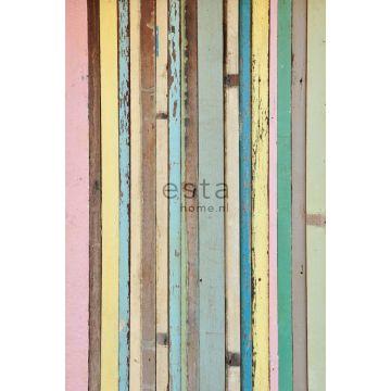 papier peint panoramique bois peint rose clair, jaune, bleu et vert de ESTA home