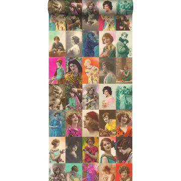 papier peint intissé XXL cartes postales vintage multicolore de ESTA home